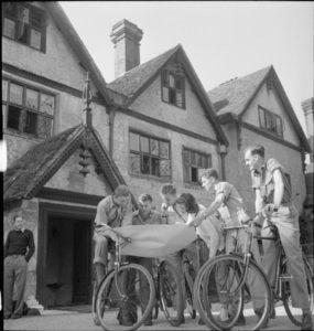 Airmen recuperating at Stanbridge Earls
